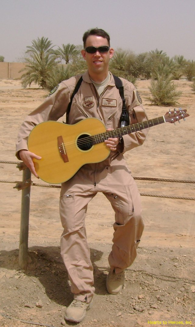 guitar4troops02Irq